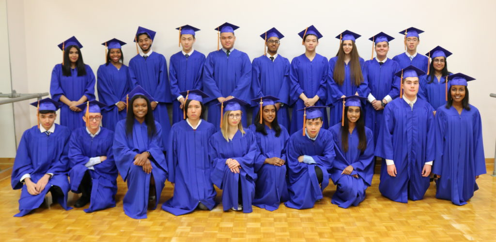 group photo of graduating class of 2019